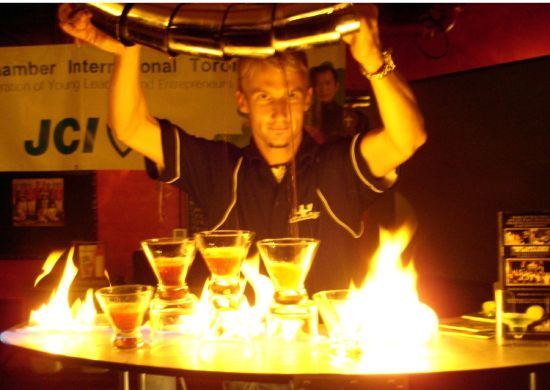 How_to_pour_5_martinis_at_the_same_time_while_on_fire.jpg